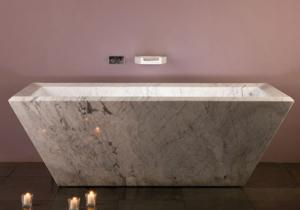 Stone-Forest-Rubix-tub-Carrara-marble